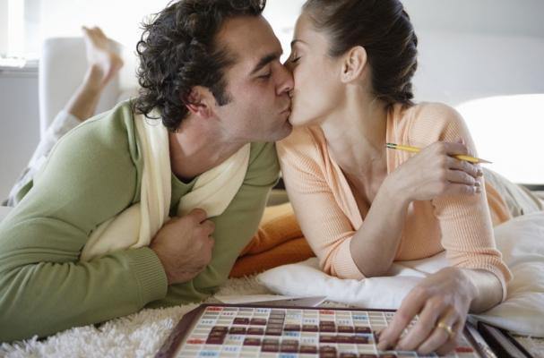 board-game-couple