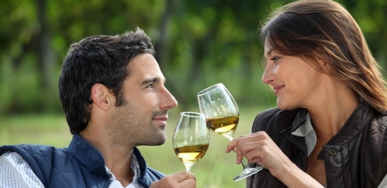 picnic wine tasting third date meetville