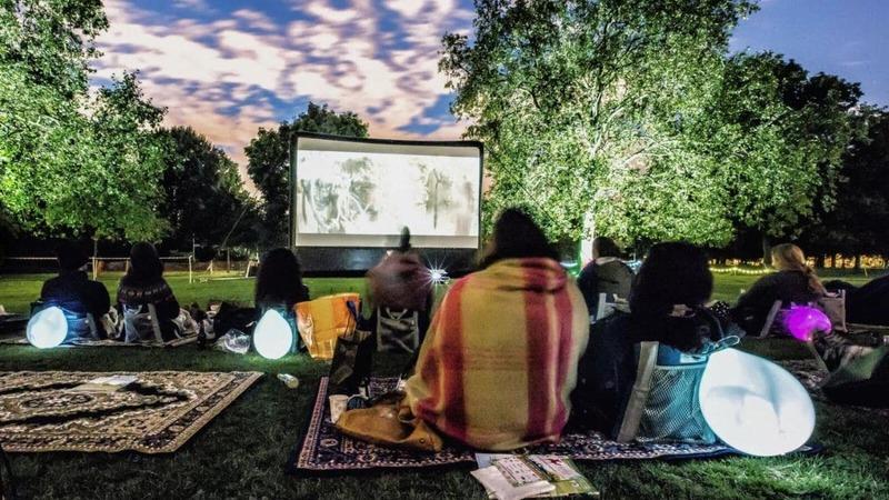 couple outdoor cinema summer date