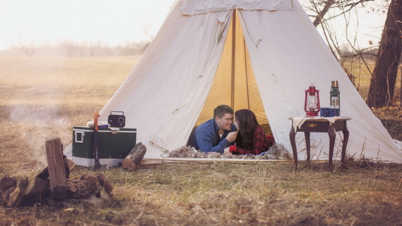 couple camping summer date ideas